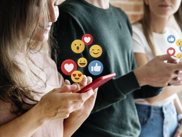 likes-social-media-min